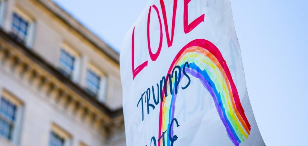 Εγκλήματα μίσους κατά ΛΟΑΤΚΙ και θρησκευτικών ομάδων στον 21ο αιώνα